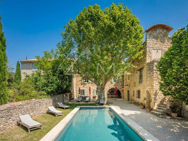 House in Peypin-d'Aigues, Provence-Alpes-Côte d'Azur, France 1