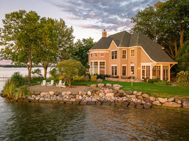 House in Lakeland Shores, Minnesota, United States 1