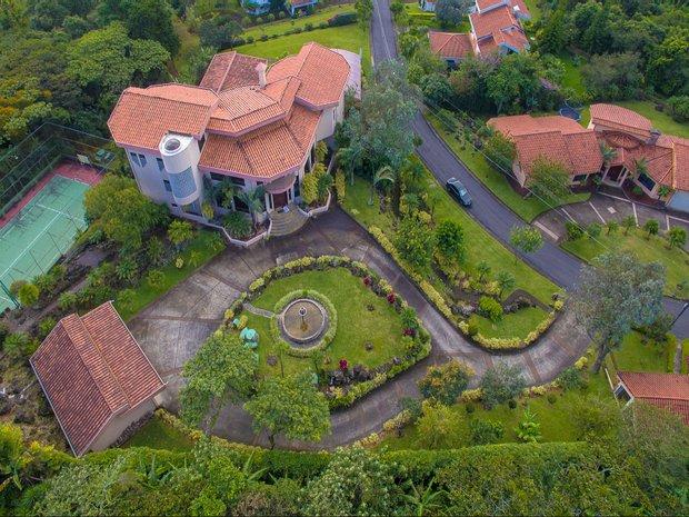 House in San Rafael, Heredia Province, Costa Rica 1