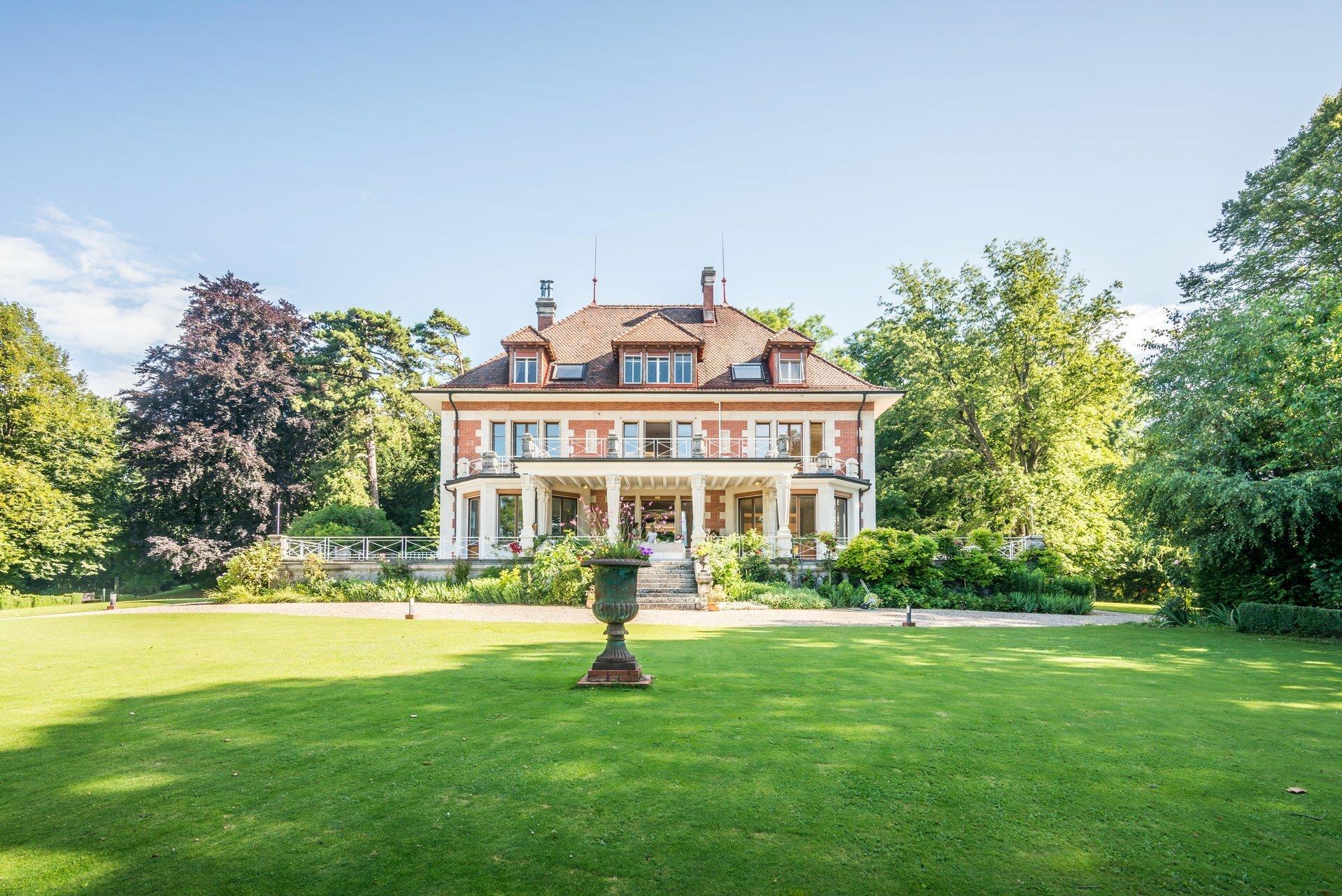 House in Chexbres, Vaud, Switzerland 1