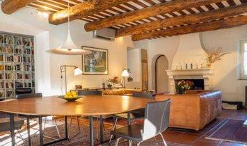 Casa en Saint-Maximin-la-Sainte-Baume, Provenza-Alpes-Costa Azul, Francia 1