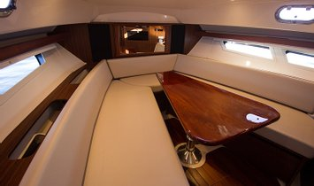 LUCILLE 35' (10.67m) Pursuit 2018
