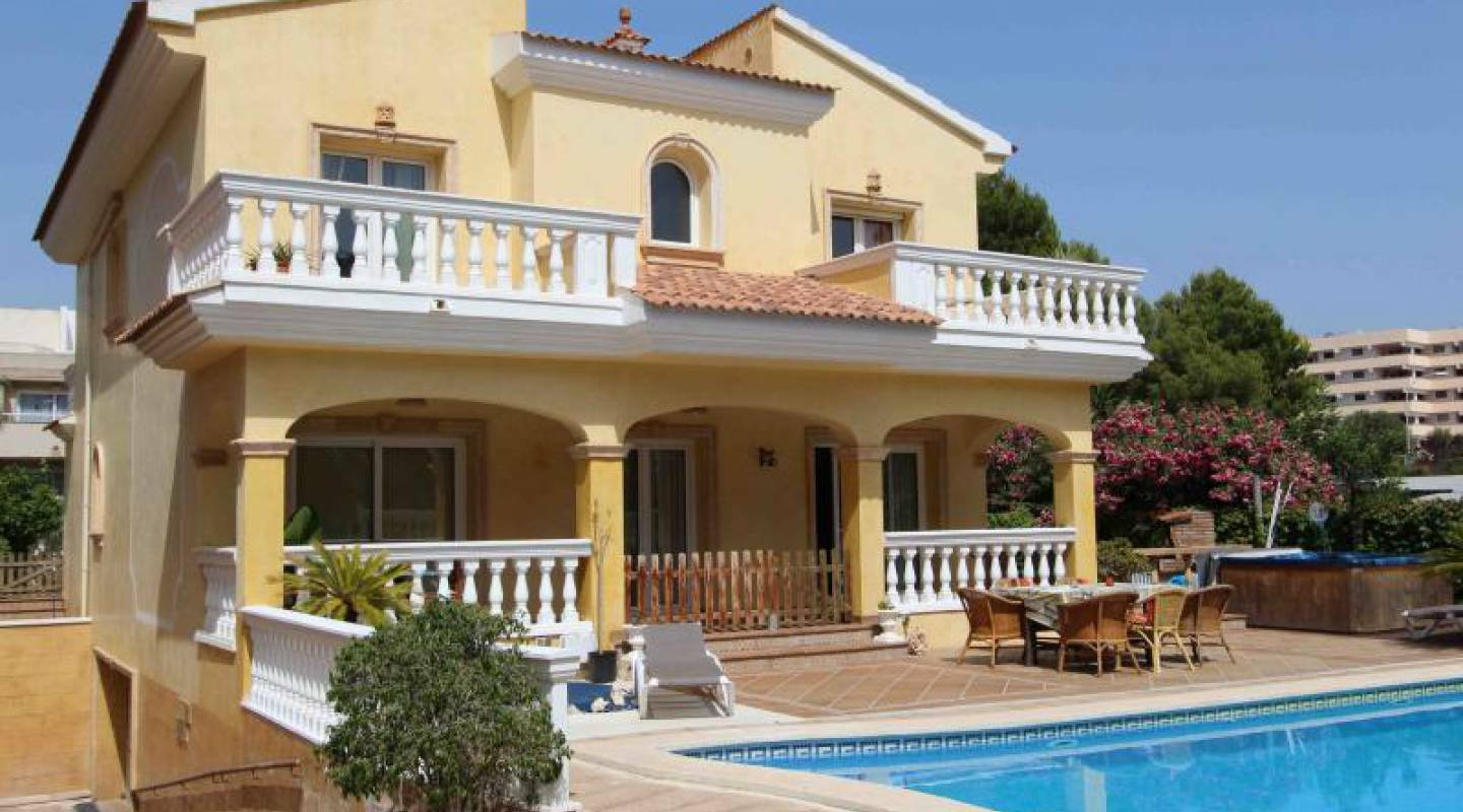 Villa in Palma Nova, Balearic Islands, Spain 1