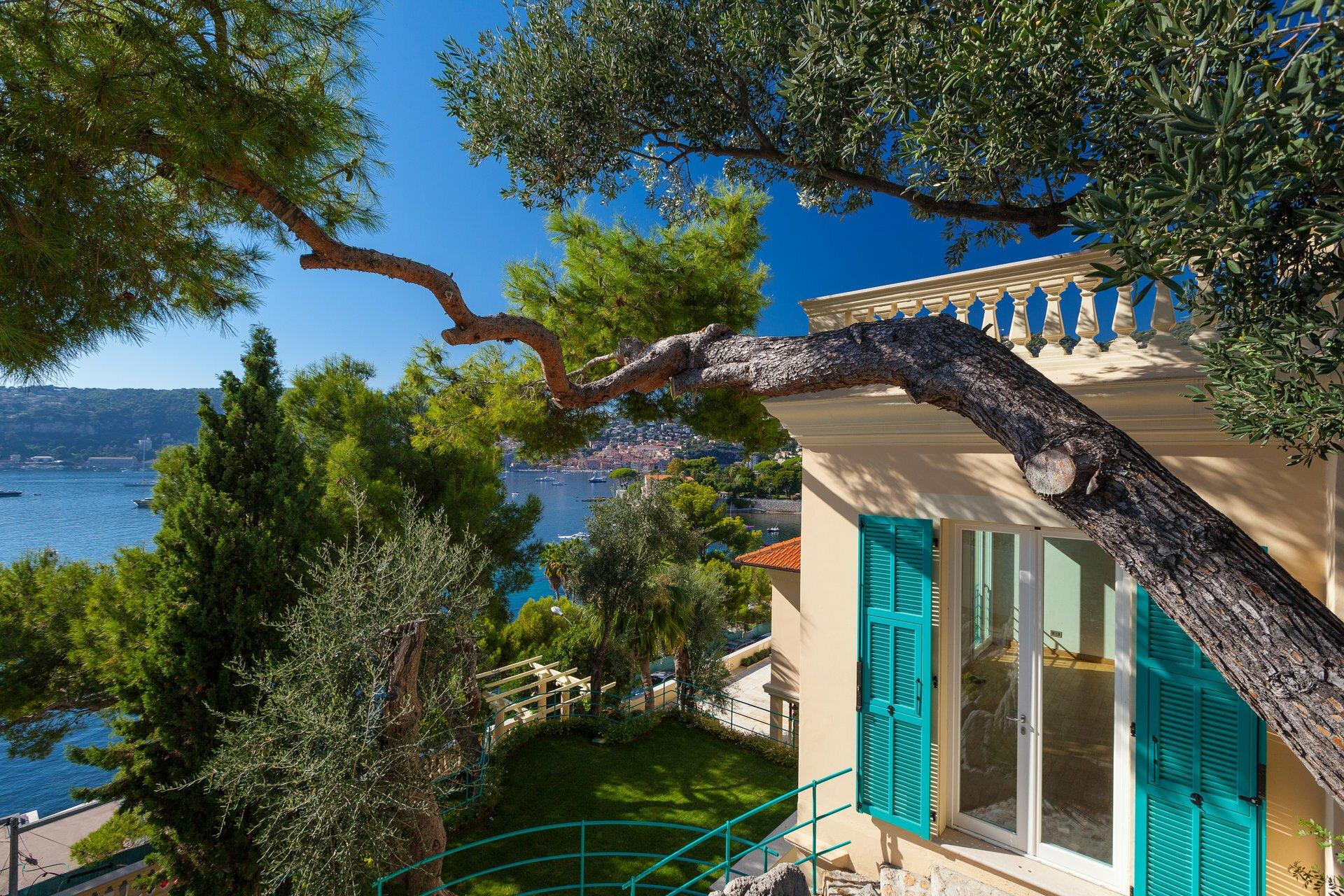 House in Saint-Jean-Cap-Ferrat, Provence-Alpes-Côte d'Azur, France 1 - 11073037