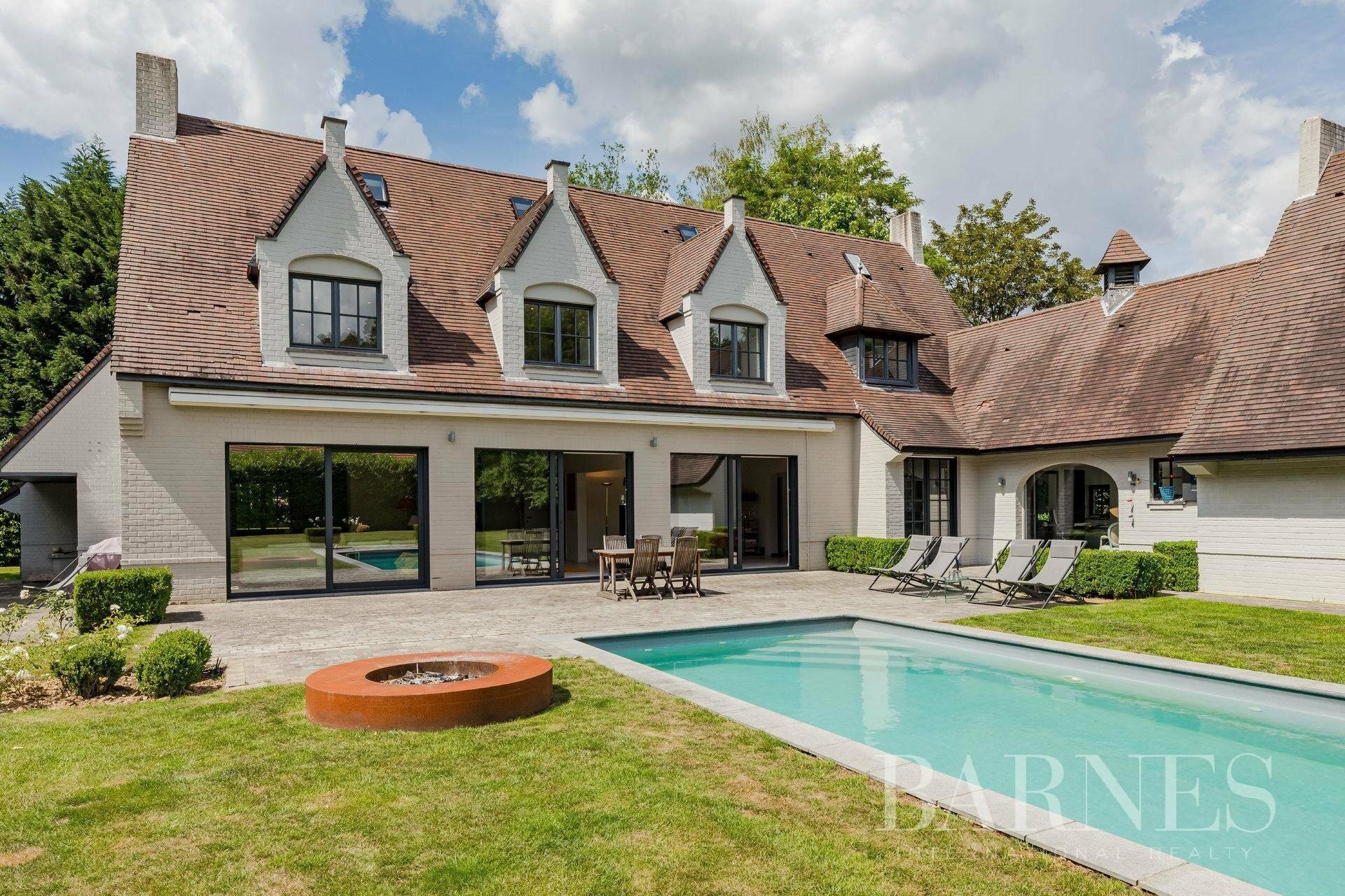 Villa in Sint-Genesius-Rode, Flanders, Belgium 1