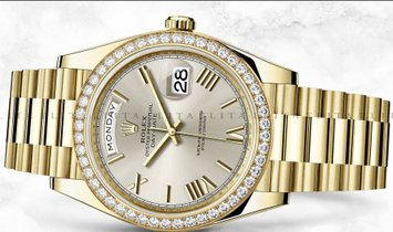 Rolex Day-Date 40 228348RBR-0007 18K Yellow Gold Silver Dial Diamond Set Bezel