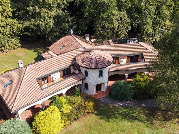 House in Guanzate, Lombardy, Italy 1