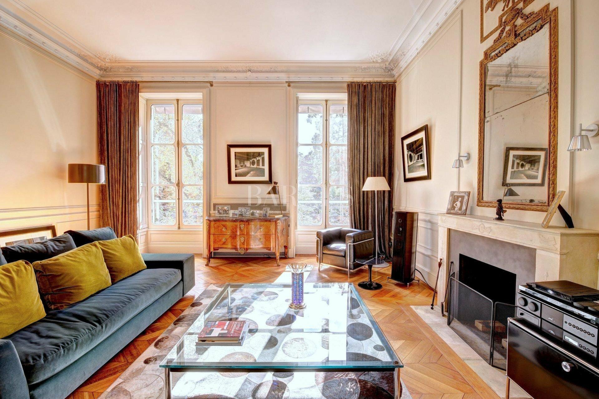 House in Bordeaux, Nouvelle-Aquitaine, France 1