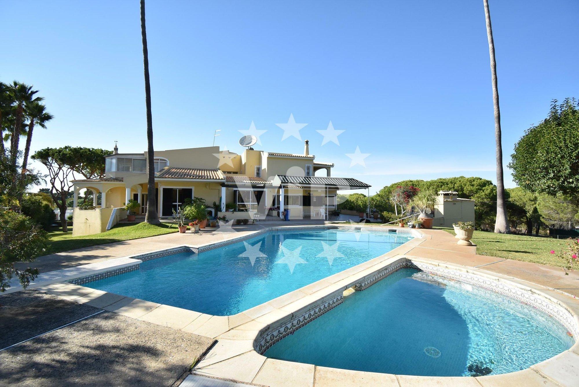 Villa in Loulé, Algarve, Portugal 1 - 11156929