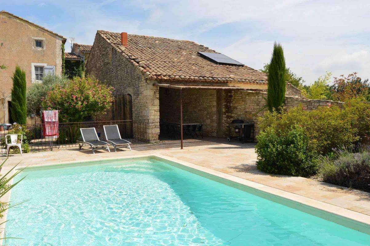 Farm Ranch in Gordes, Provence-Alpes-Côte d'Azur, France 1