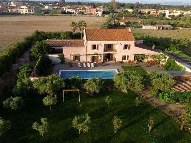 Villa in Oristano, Sardinia, Italy 1