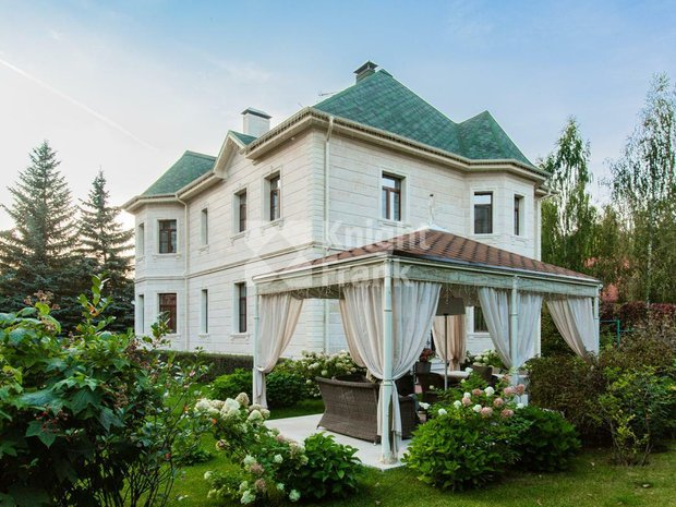 House in Bol'shoe Sareevo, Moscow, Russia 1