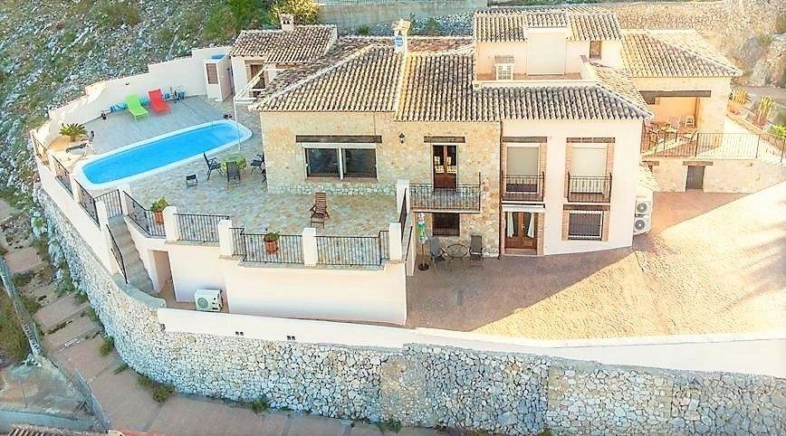 Villa in Jalón, Valencian Community, Spain 1