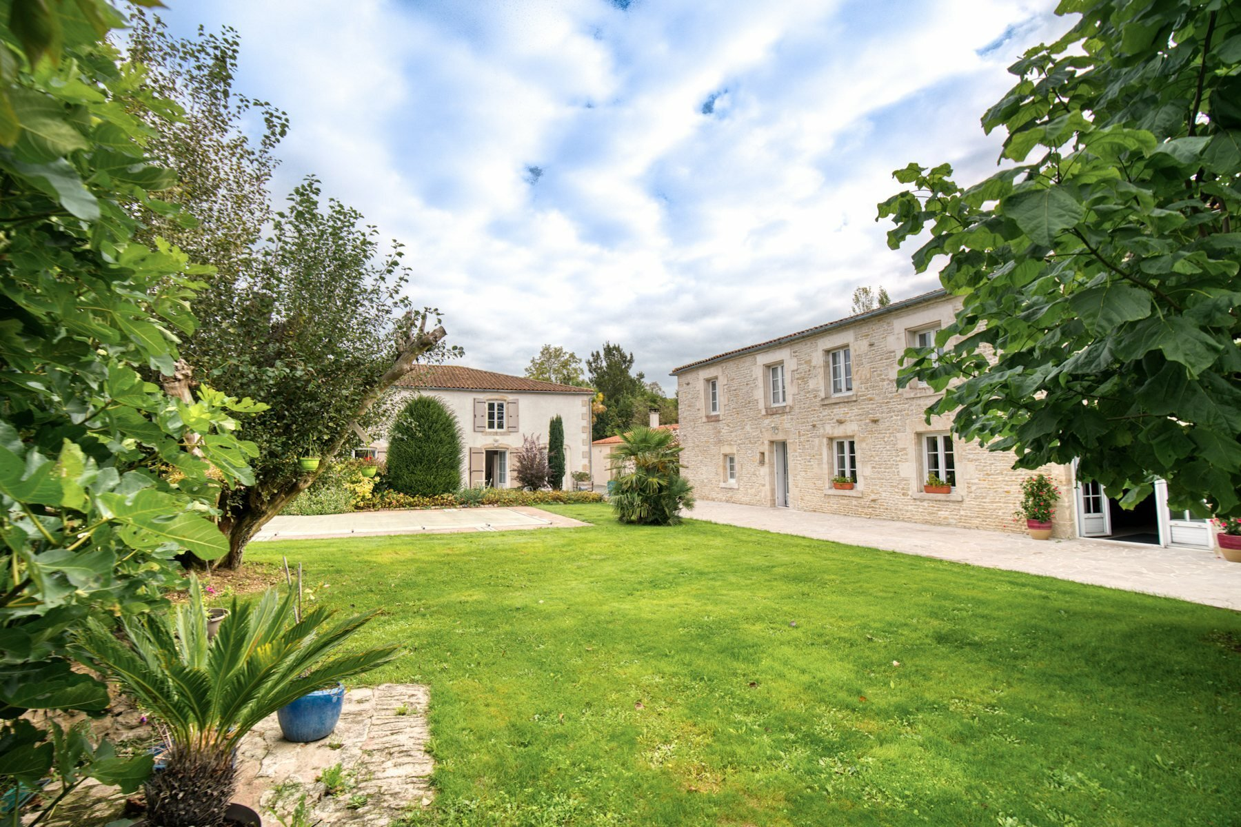 House in La Rochelle, Nouvelle-Aquitaine, France 1 - 11165683