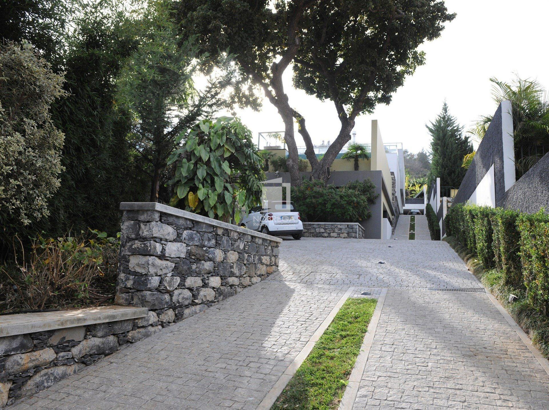 Villa in São Martinho, Madeira, Portugal 1