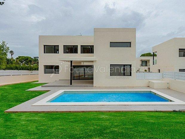 Villa in La Cañada, Castile and León, Spain 1