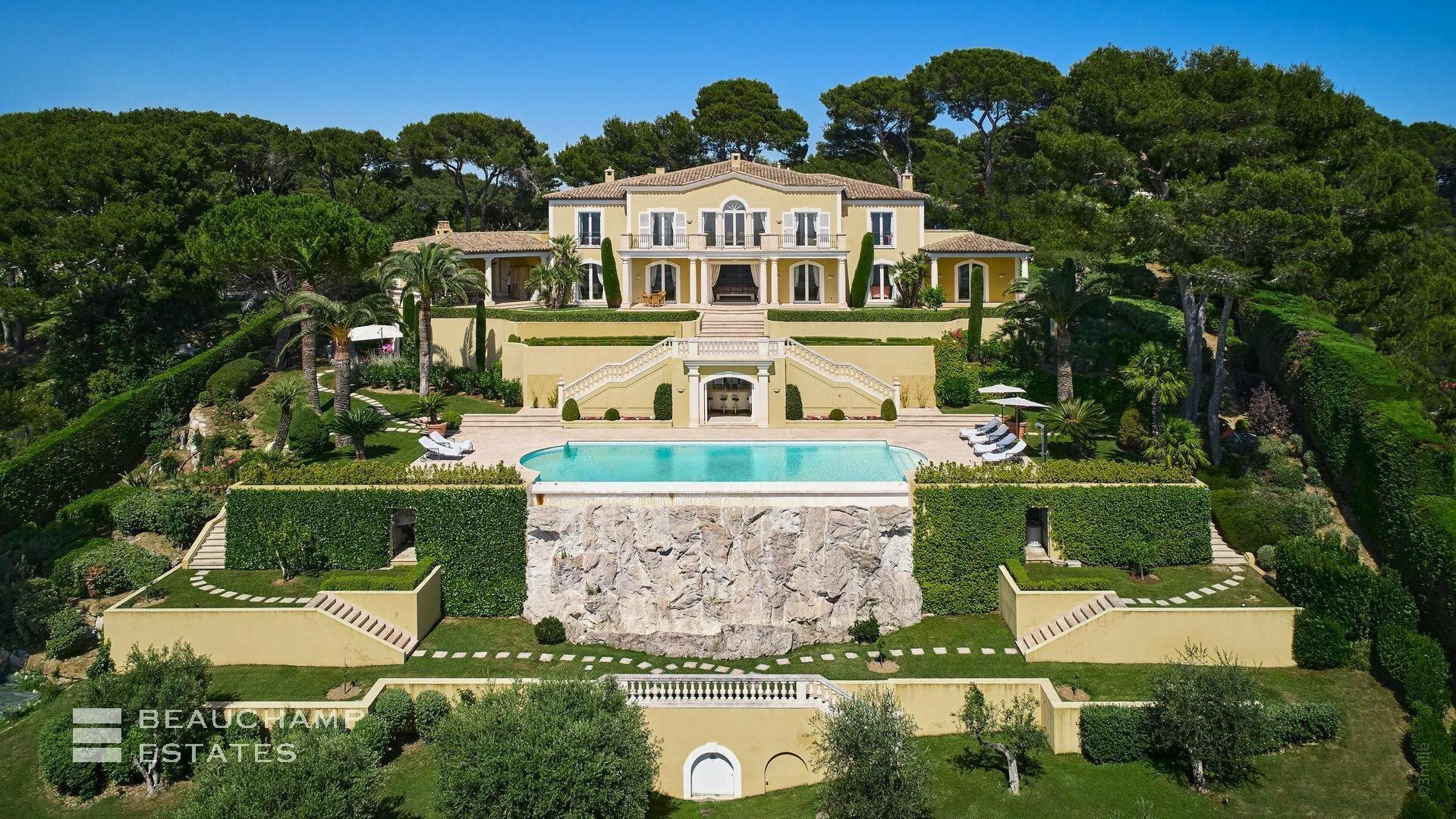 Villa in Le Cannet, Provence-Alpes-Côte d'Azur, France 1 - 11168620