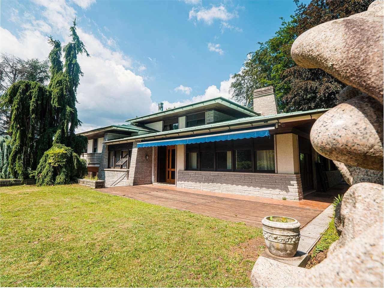 Villa in Lesa, Piedmont, Italy 1