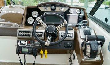Formula 350 Crossover Bowrider