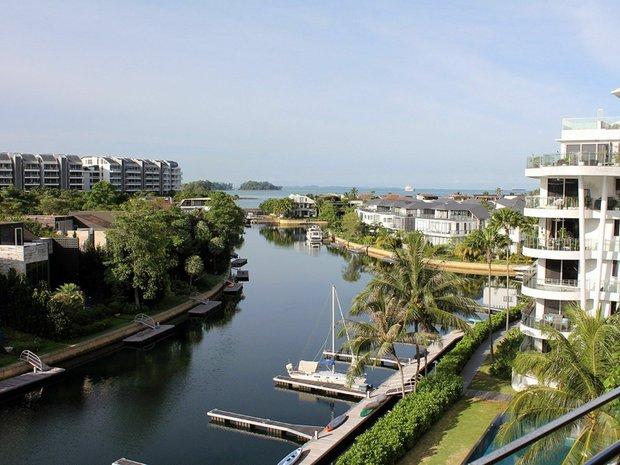 Condo in Singapore 1