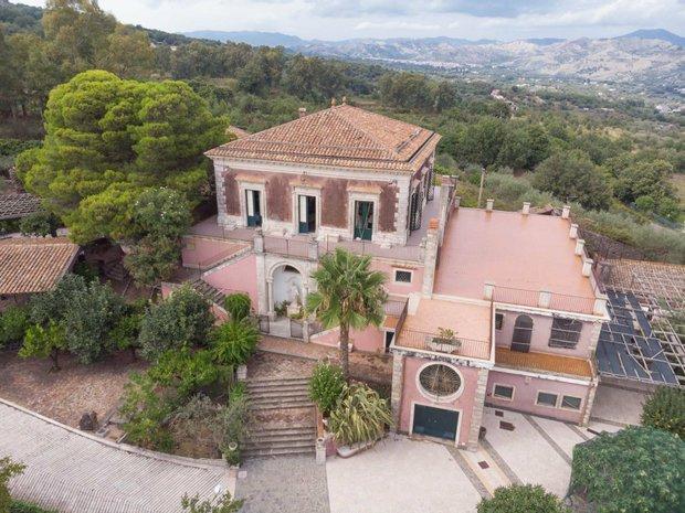 House in Presa, Sicilia, Italy 1