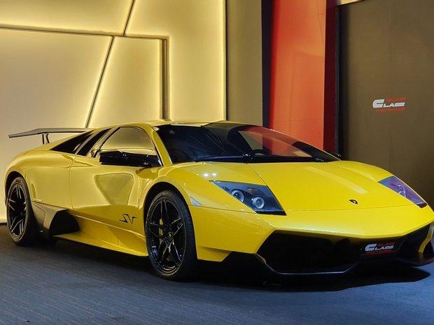Coupe in Dubai, United Arab Emirates 1