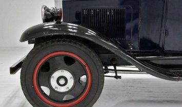 1932 Chevrolet Model 250 Tow Truck