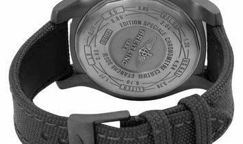 Breitling Avenger Blackbird V1731010.BD12.100W.M20BASA.1, Baton, 2015, Very Good, Case