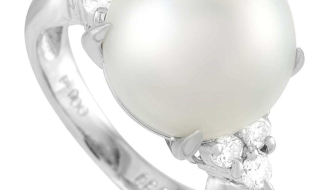LB Exclusive LB Exclusive Platinum 0.30 ct Diamond and Pearl Ring