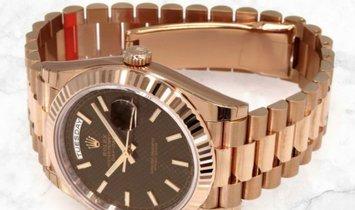 Rolex Day-Date 228235-0006 Everose Gold Chocolate Diagonal Motif Dial