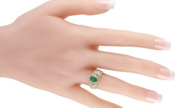 LB Exclusive LB Exclusive 18K Yellow Gold 0.96 ct Diamond and Emerald Ring