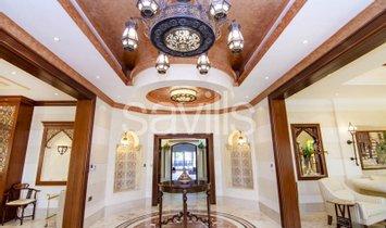 Villa in Sharjah, Sharjah, United Arab Emirates 1