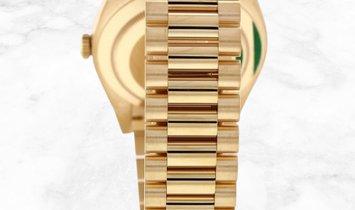 Rolex Day-Date 40 228398TBR-0003 Yellow Gold Champagne Dial Diamond Set Bezel
