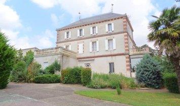 Casa a Laplume, Nuova Aquitania, Francia 1