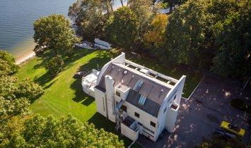 House in Port Washington, New York, United States 1