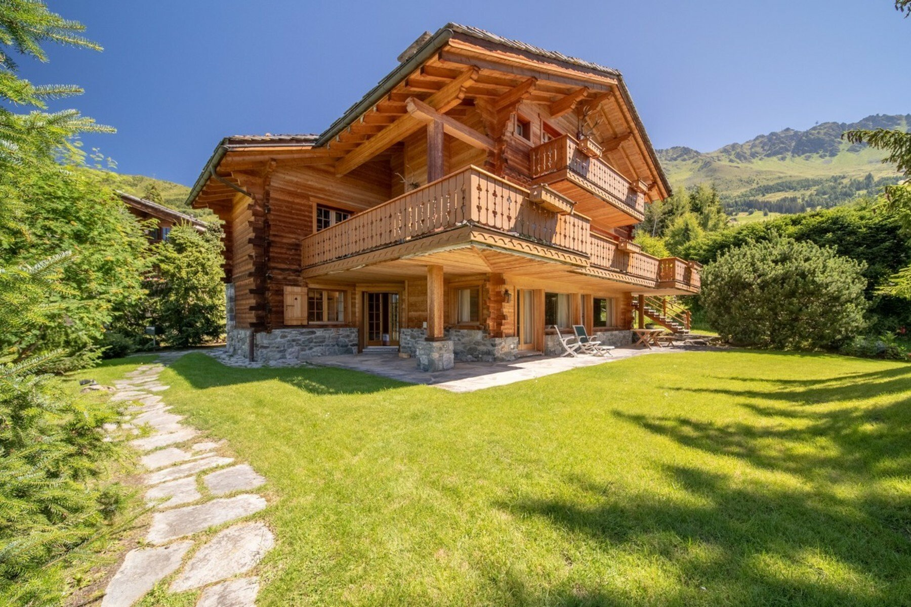 House in Bagnes, Valais, Switzerland 1
