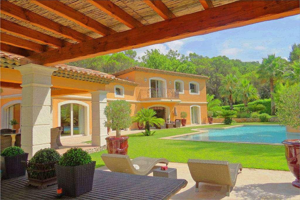 Villa in Mougins, Provence-Alpes-Côte d'Azur, France 1 - 11200669
