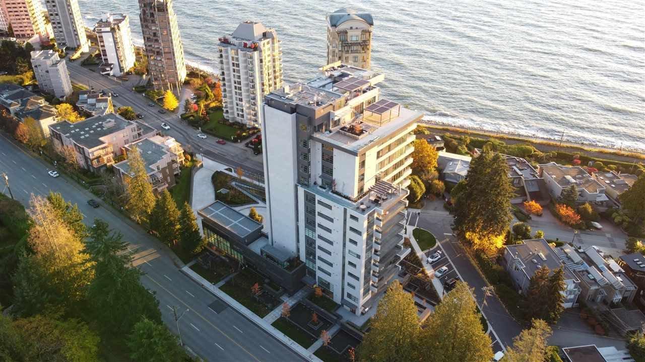 Apartment in West Vancouver, British Columbia, Canada 1