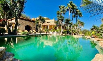 Chalet in Sant Josep de sa Talaia, Balearic Islands, Spain 1