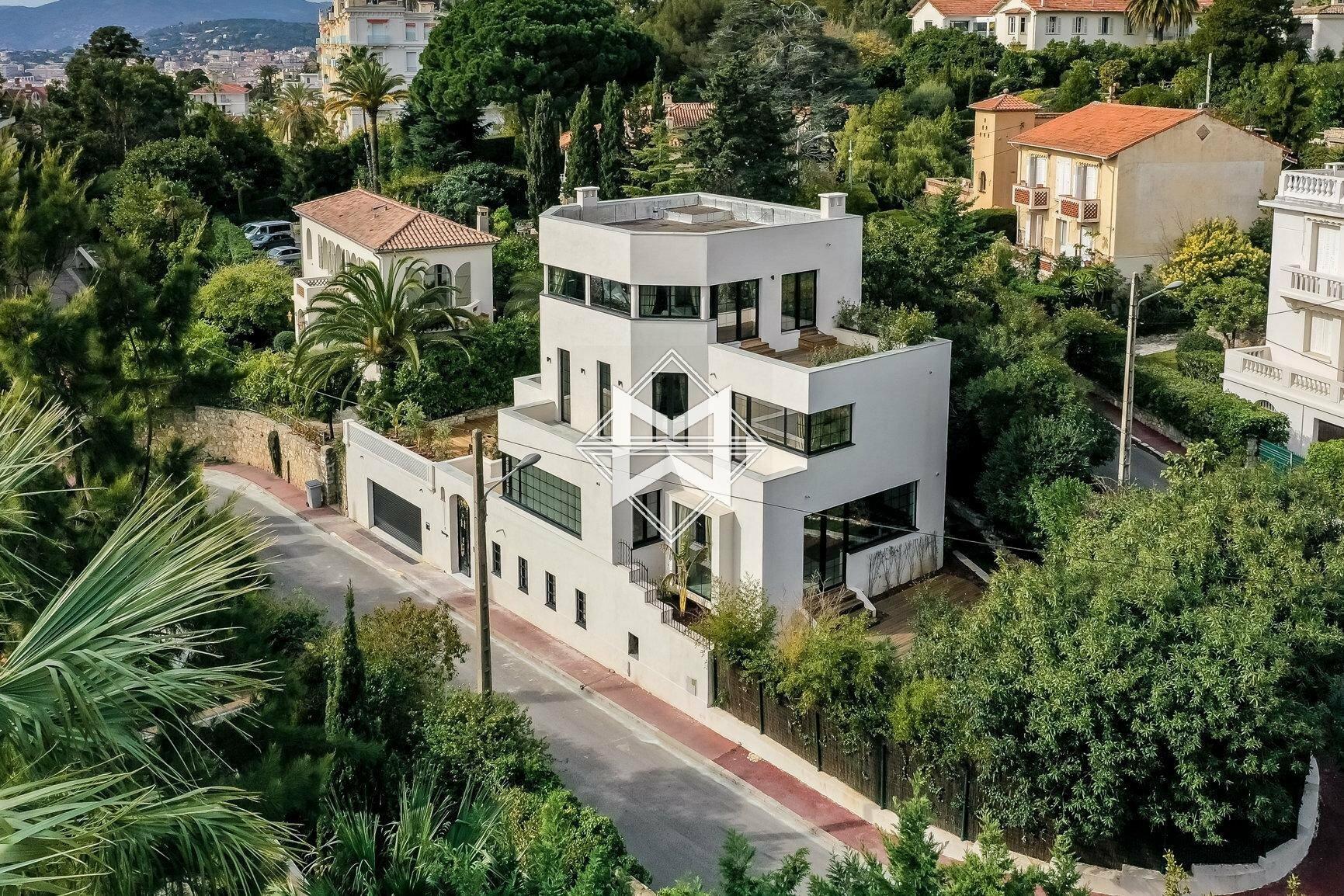 Villa in Cannes, Provence-Alpes-Côte d'Azur, France 1 - 11202882