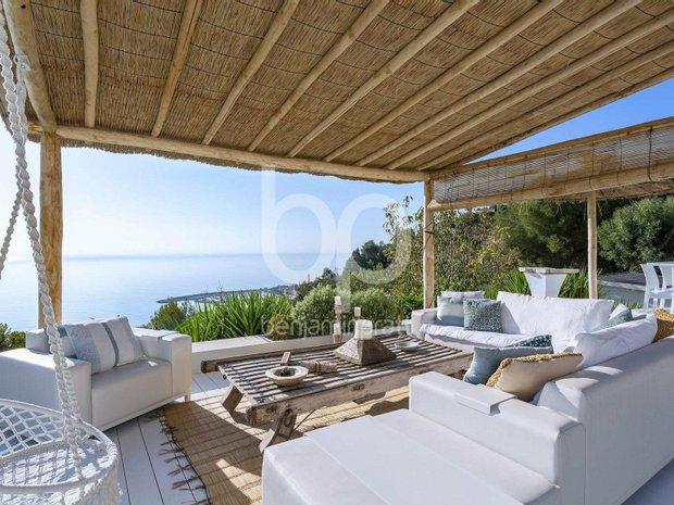 Villa in Menton, Provence-Alpes-Côte d'Azur, France 1