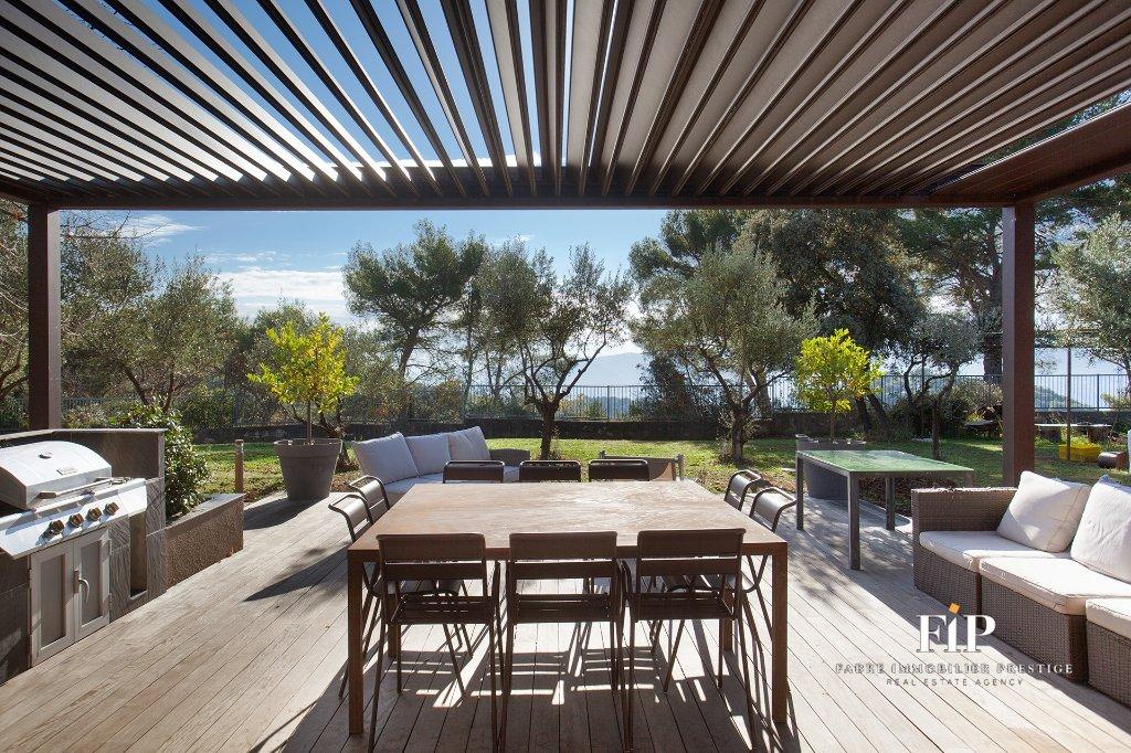 Estate in Aix-en-Provence, Provence-Alpes-Côte d'Azur, France 1 - 11203713