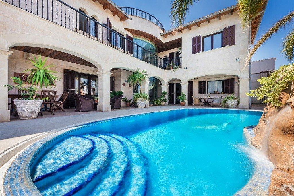 Villa in Búger, Balearic Islands, Spain 1