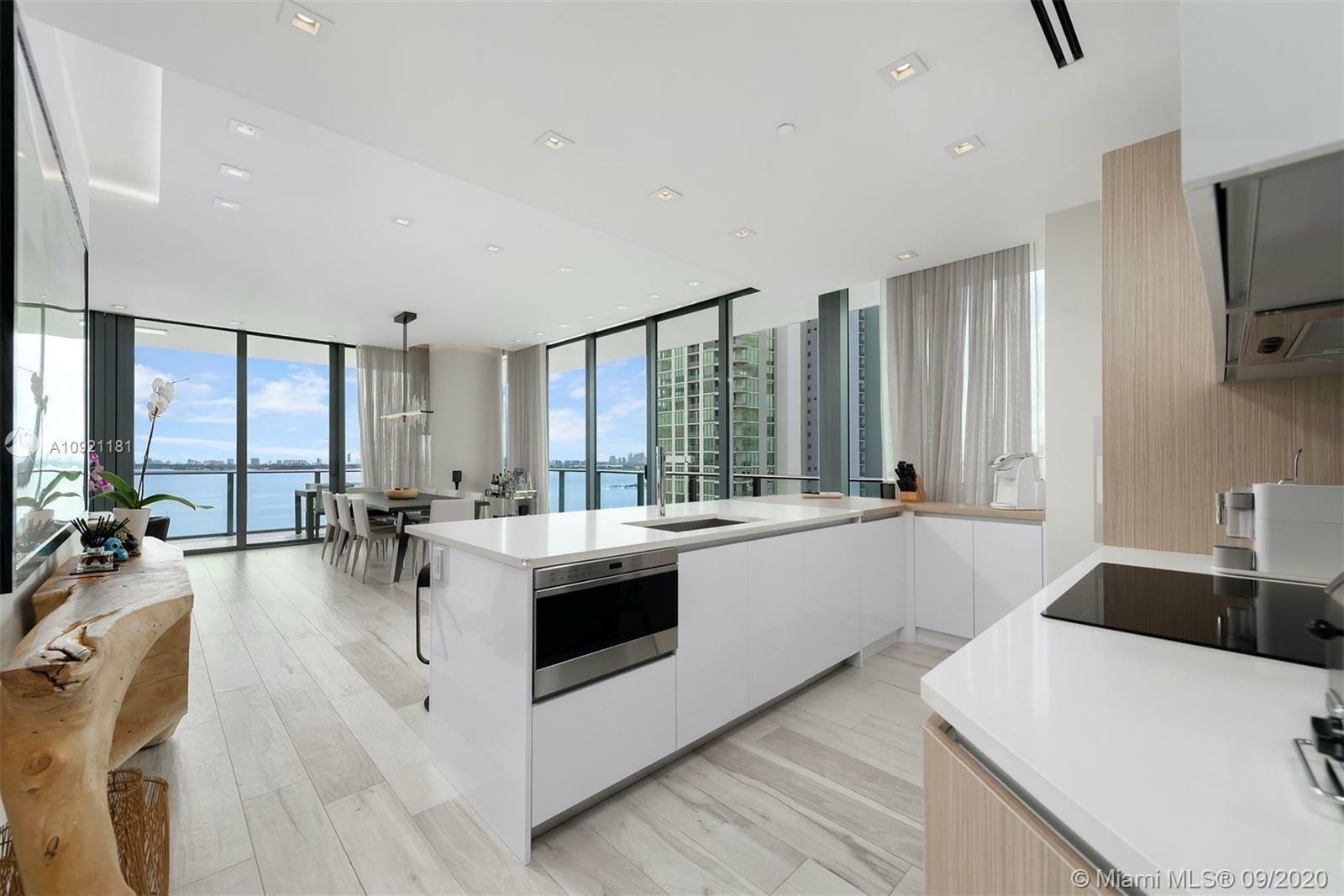 Condo in Miami, Florida, United States 1 - 11211211