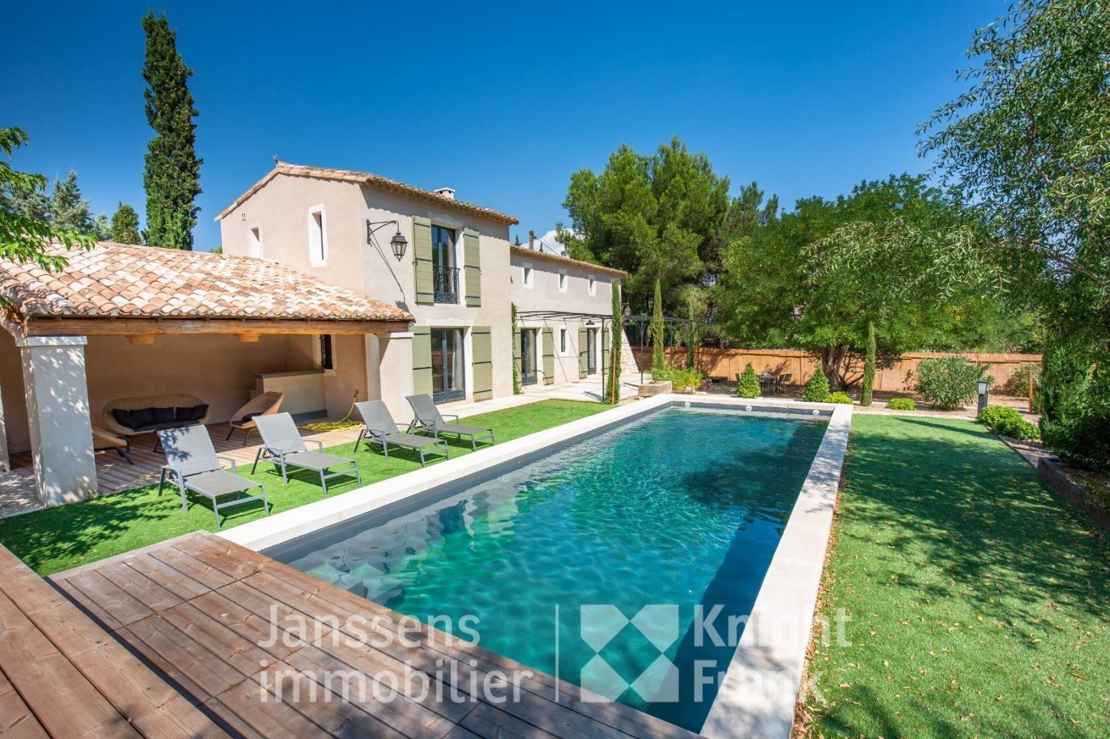 Villa in Maussane-les-Alpilles, Provence-Alpes-Côte d'Azur, France 1 - 10974788