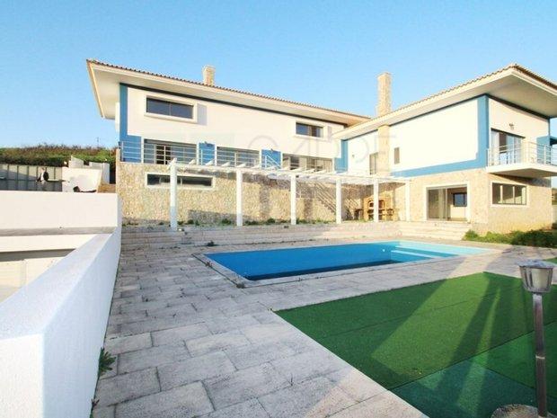 House in Mafra, Lisbon, Portugal 1