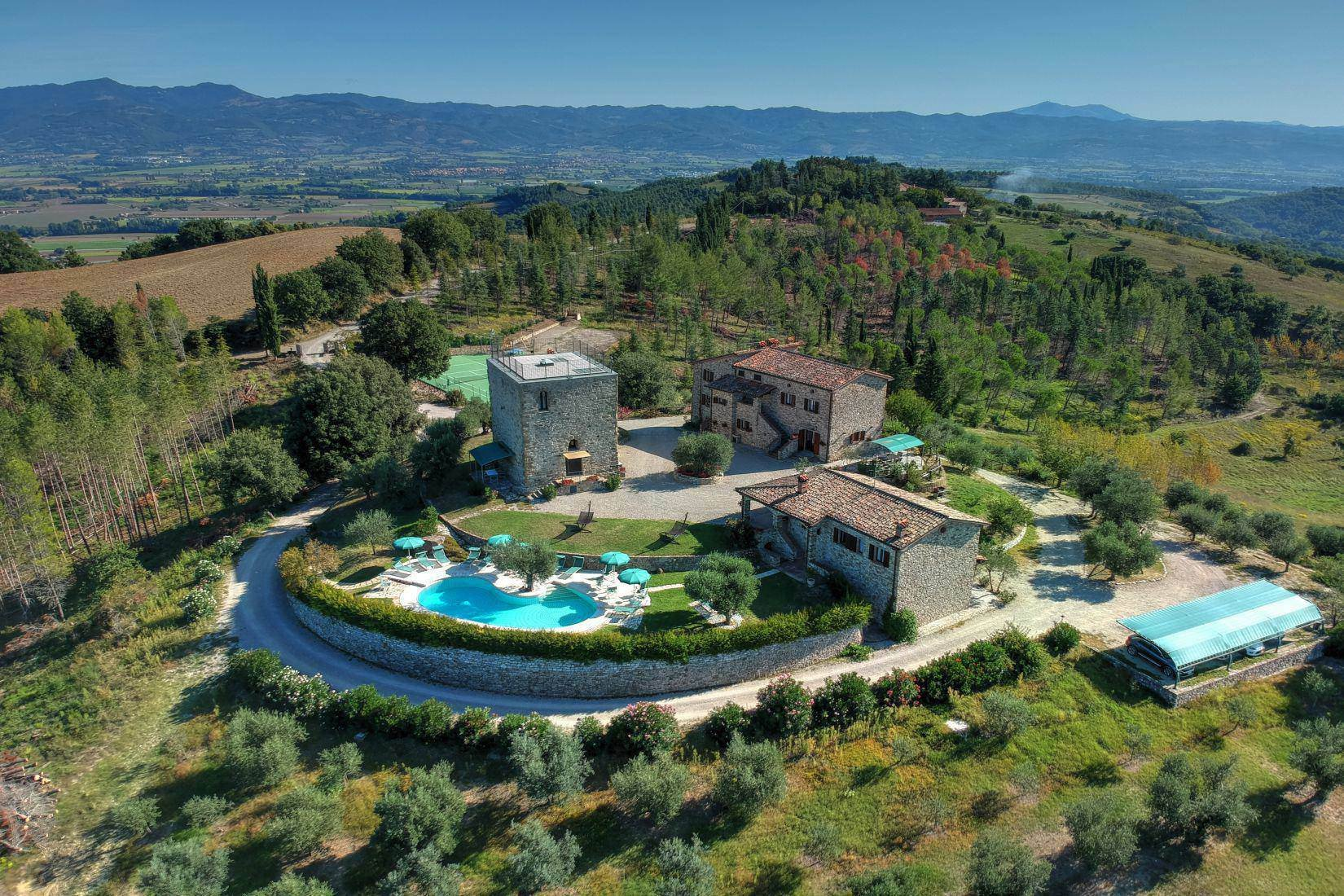 Country House in Monte Santa Maria Tiberina, Umbria, Italy 1