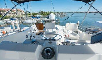 Hatteras 53 Motor Yacht