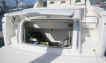 Tiara Yachts Mid Cabin Express