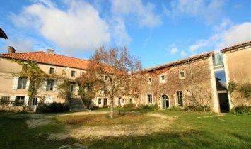 Haus in Vilhonneur, Nouvelle-Aquitaine, Frankreich 1